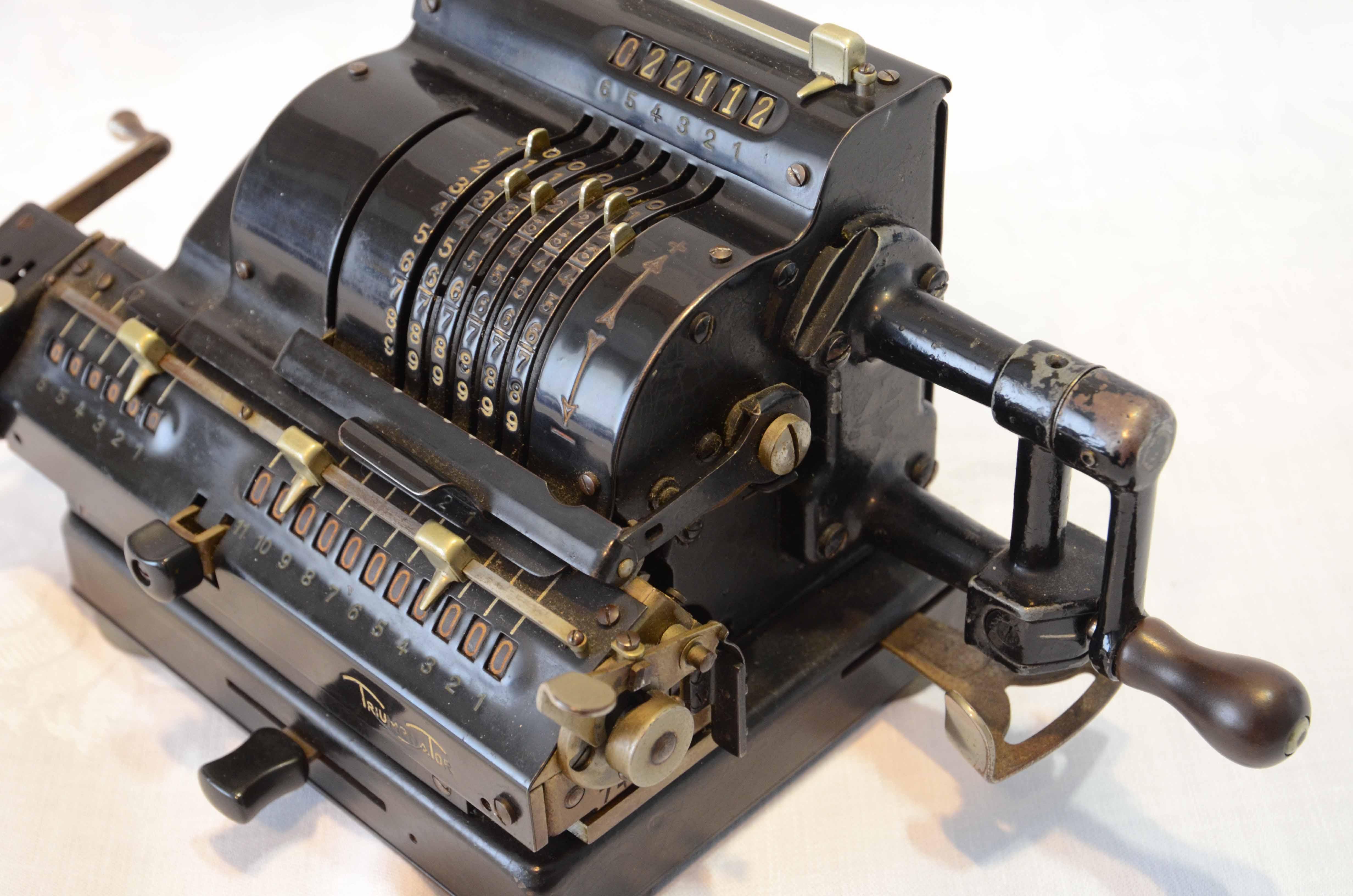 Rechenmaschine aus dem Jahr 1935